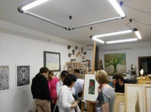 Un momento dell'inaugurazione allo Studio Art Melograno