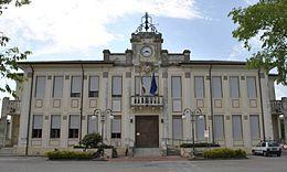 Palazzo_municipale_Jolanda_di_Savoia_(Fe)