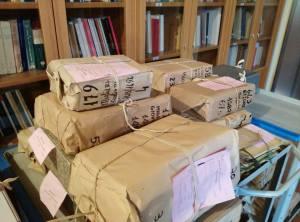 pacchi di documenti dal deposito