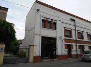 La facciata della sede della Collezione in via Cisterna del Follo