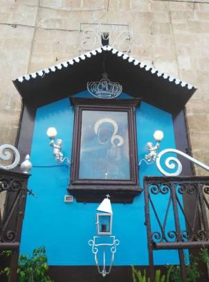 Edicola con Madonna nera con bambino (Manfredonia)