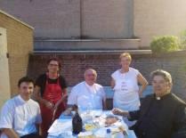 """Mons. Perego, Mons. Bentivoglio, don Granzotto e alcune volontarie della """"Noi per Loro"""""""